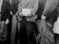 Indalecio Ojanguren con la placa recibida en su homenaje