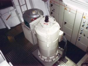 Motor sincrono vertical