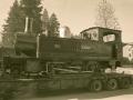 """Locomotora de vapor """"Aurrera"""" sobre un remolque"""