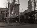 """Preparativos para la colocación de la locomotora de vapor """"Aurrera"""", junto a la Universidad de Oñati"""