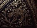 Dortoka-tinbre baten oskol damaskinatuaren detailea