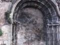 Garai bateko Pasai San Pedroko elizaren hormaturiko portada erromanikoa