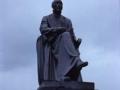 Sebastián Mendiburu idazleari monumentua Oiartzunen