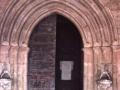 Portada románica de la iglesia parroquial de la Asunción