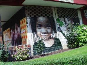 bonito grafiti con una niña