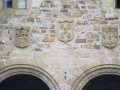 Bidaurreta monasterioko fatxadan dagoen armarria