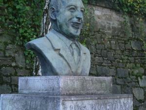 Luis Mariano broncíneo