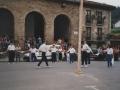 San Juan bezperako dantza arbolaren inguruan