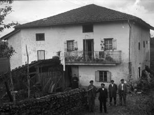 Sagardoa dastatzen Gaztañegin