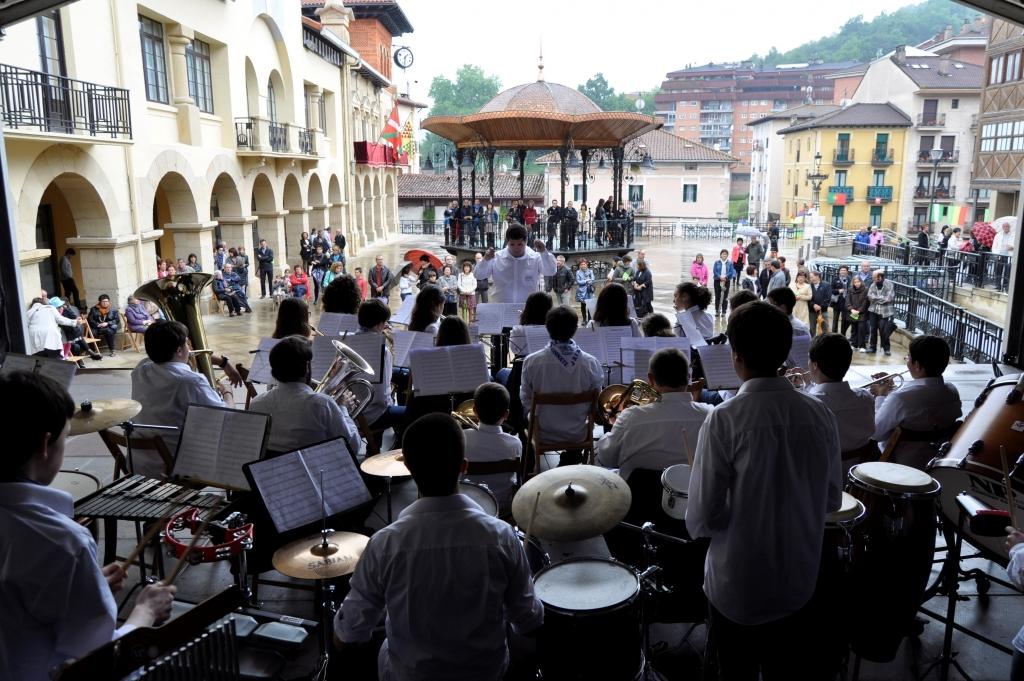 Loinatz Musika Eskolako Banda