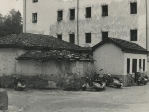 Eskola zaharra eta Barberia etxea