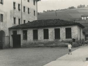 Eskola zaharra