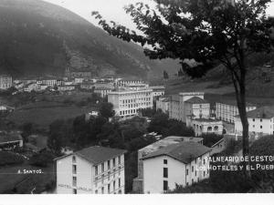 """""""Balneario de Cestona. Los Hoteles y el Pueblo"""""""